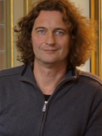 Stuart Dixon